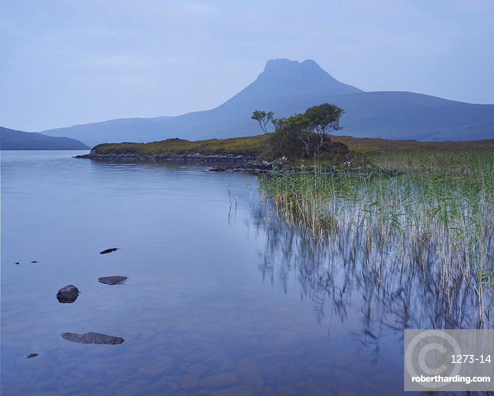 Stac Pollaidh from Loch Lurgainn, Sutherland, Highlands, Scotland, United Kingdom, Europe