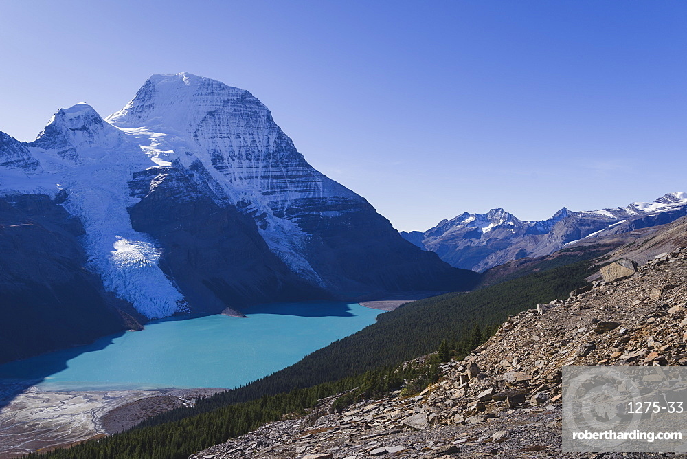 The highest peak of the Canadian Rockies, Mount Robson, and the Berg Lake viewed from the Mumm Basin trail, UNESCO World Heritage Site, Canadian Rockies, British Columbia, Canada, North America