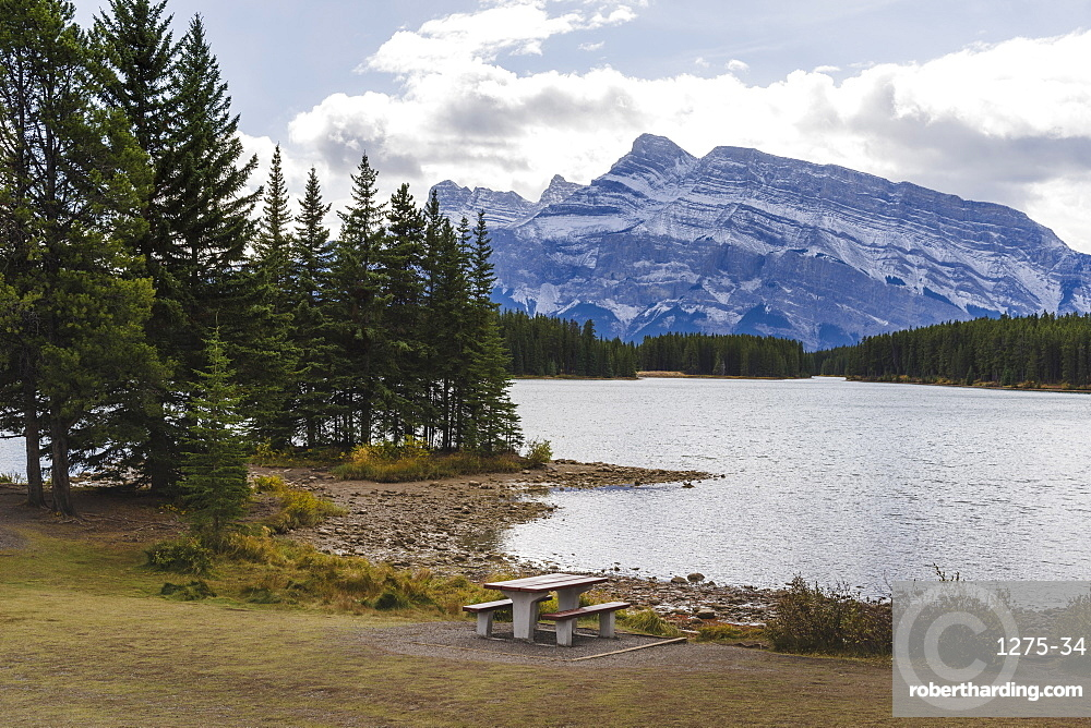 Picnic table at Two Jack Lake, Banff National Park, UNESCO World Heritage Site, Canadian Rockies, Alberta, Canada, North America
