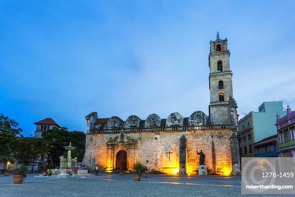 Convento de San Francisco de Asis at night, La Habana Vieja, UNESCO, Old Havana, La Habana, Cuba, West Indies, Caribbean