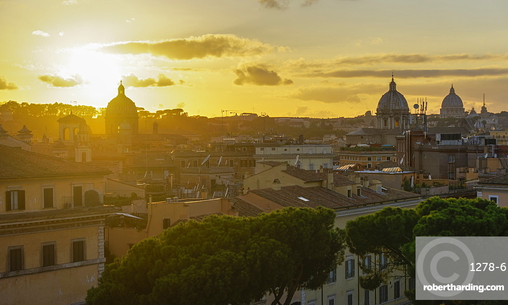 Rome, Italy sunset view of the Eternal City from top of Altare della Patria ??? Monumento Nazionale a Vittorio Emanuele monument.