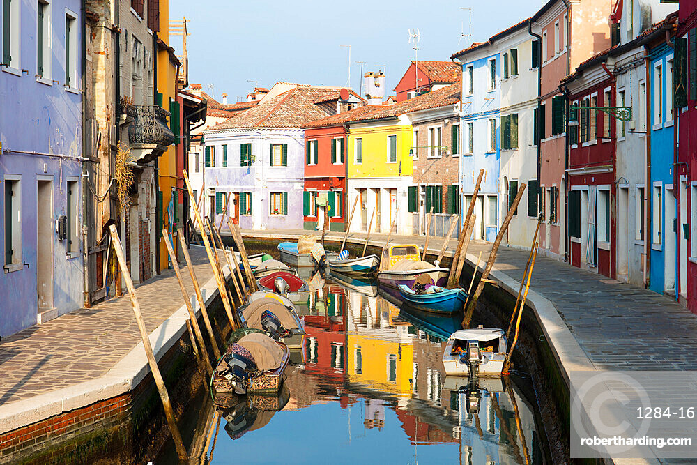 Colourful houses and boats next to canal, Burano, Venice, Veneto, Italy, Europe