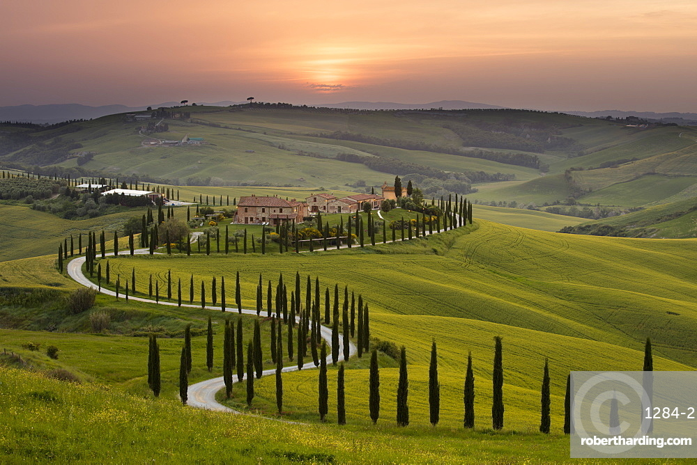 Sunset over the Agriturismo Baccoleno near Asciano in Tuscany, Italy, Europe