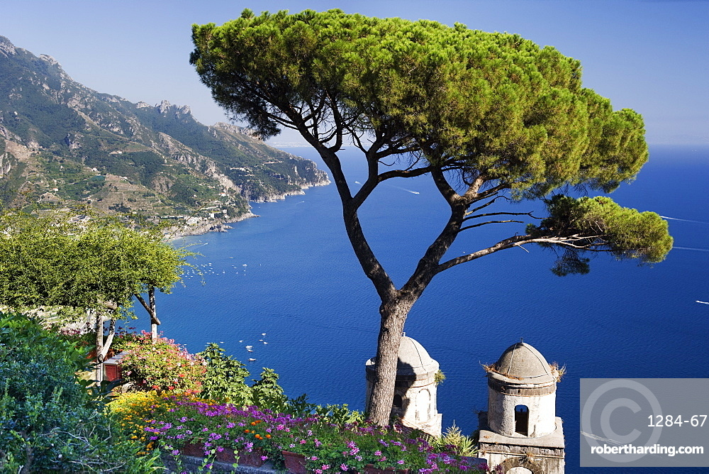 View of the Amalfi Coast from Villa Rufolo in Ravello, Amalfi Coast, UNESCO World Heritage Site, Campania, Italy, Europe