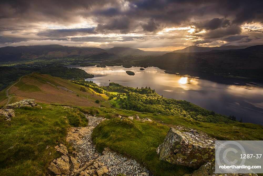 Sunrise over Derwentwater from the ridge leading to Catbells in the Lake District National Park, UNESCO World Heritage Site, Cumbria, England, United Kingdom, Europe