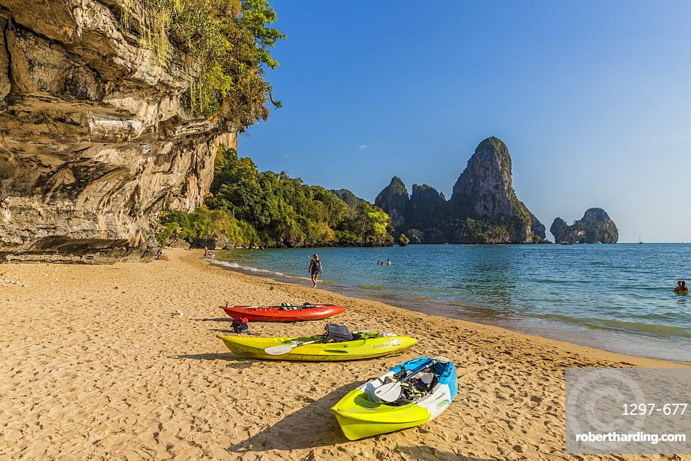 Tonsai beach and karst landscape in Railay, Ao Nang, Krabi Province, Thailand, Southeast Asia, Asia