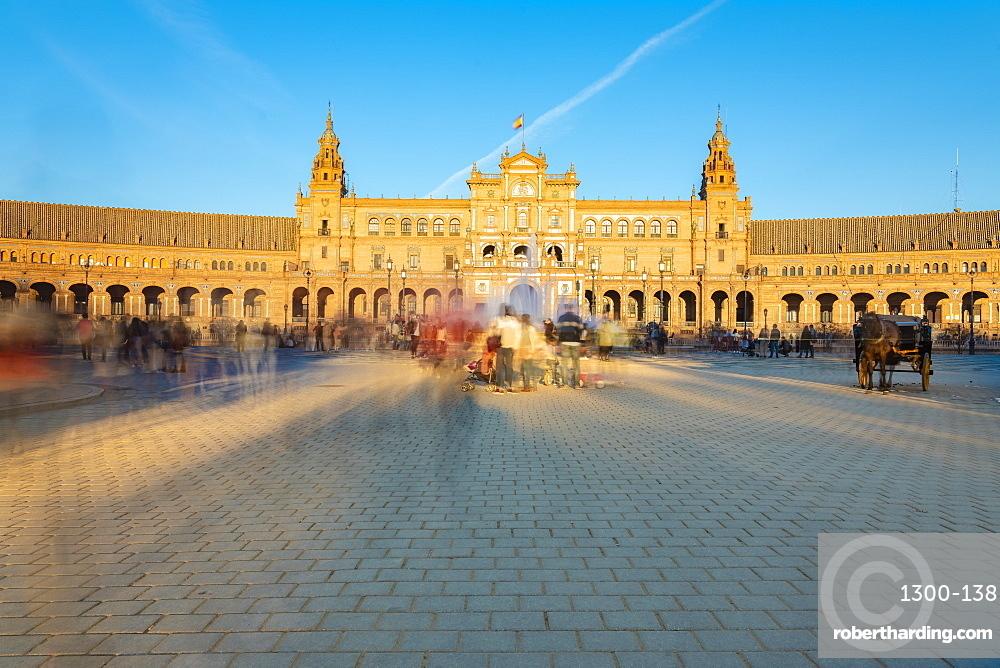Plaza de España in Parque de María Luisa, an example of the Regionalism Architecture elements of Renaissance and Moorish styles
