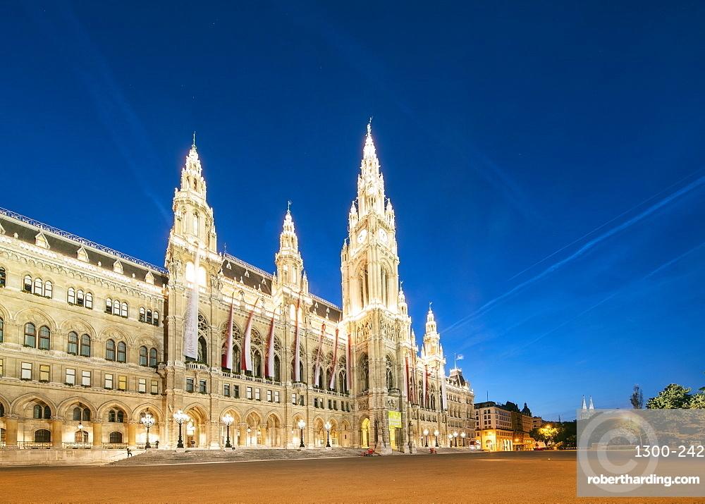 Rathaus (Town Hall) of Vienna at night, Vienna, Austria, Europe