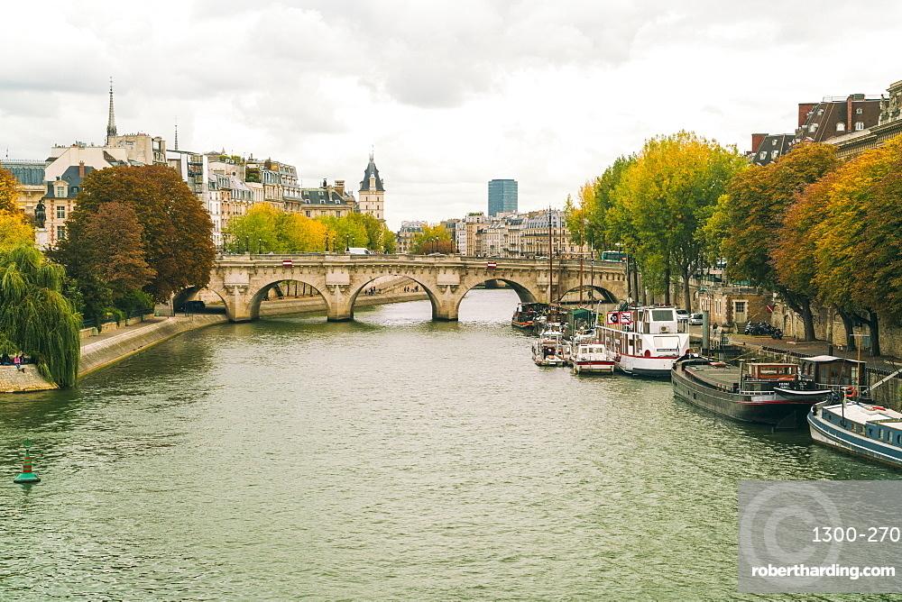 Pont Neuf over the River Seine, Isle de la Cite, Paris, France, Europe