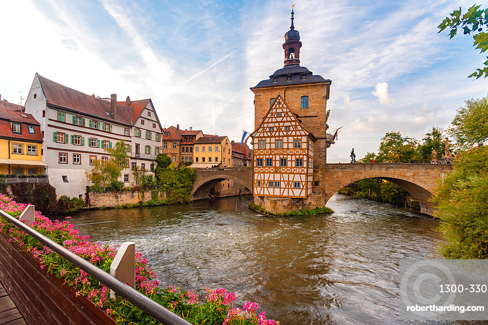 Old townhall with Geyersworthsteg wooden bridge, Bamberg, UNESCO World Heritage Site, Bavaria, Germany, Europe