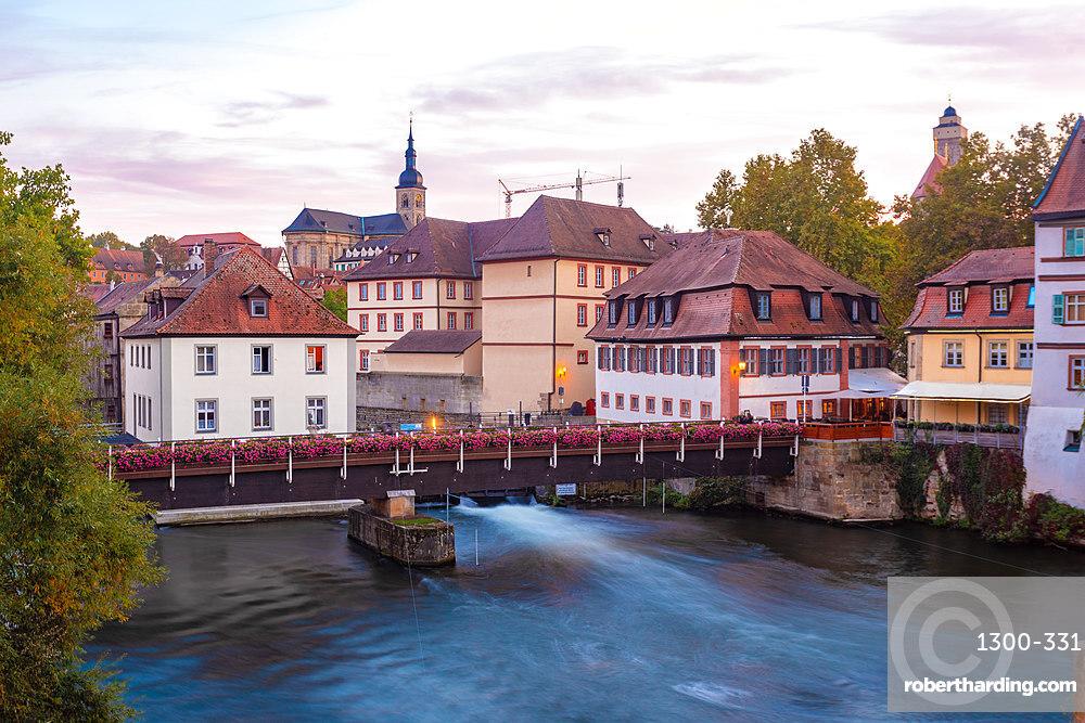 Old historic building on the Linker Regnitzarm, Bamberg, UNESCO World Heritage Site, Bavaria, Germany, Europe