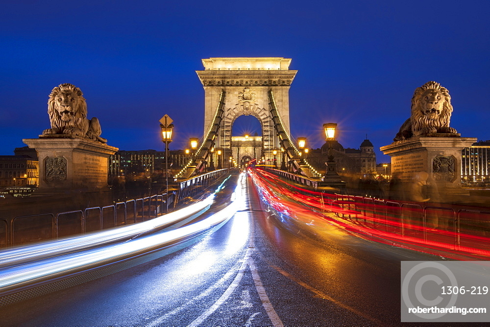 The Chain Bridge with traffic light trails, Budapest, Hungary, Europe