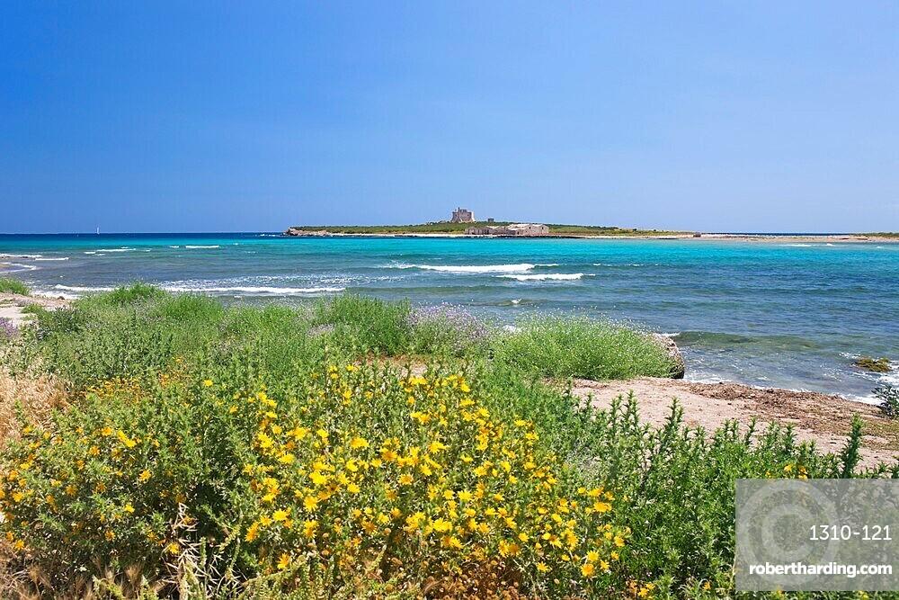 View across bay to the island fortress of Capo Passero, Portopalo di Capo Passero, Syracuse, aka Siracusa, Sicily, Italy