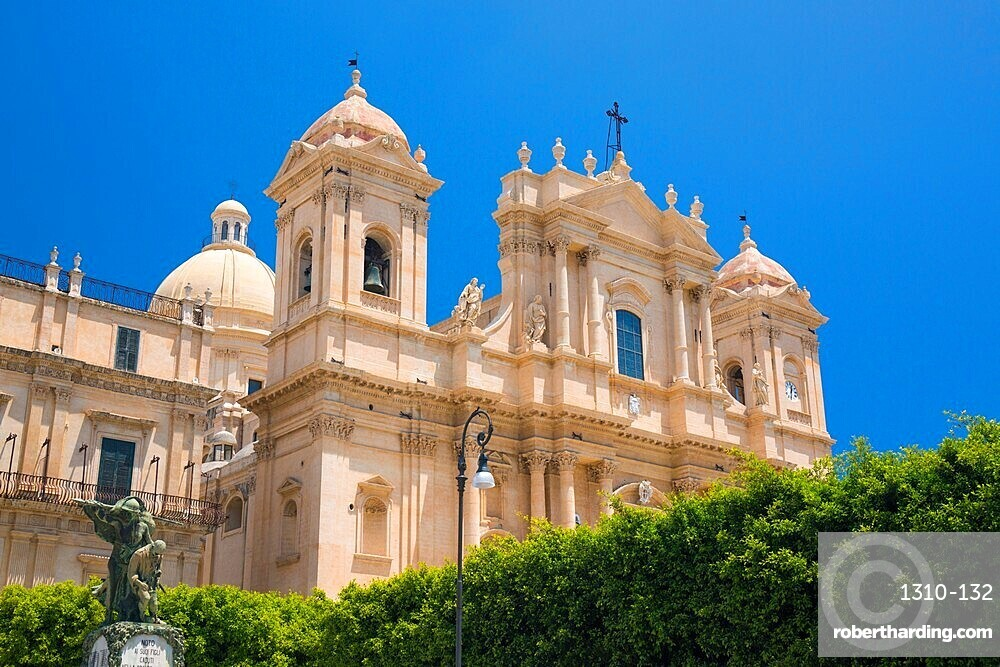 Low angle view from Corso Vittorio Emanuele of the baroque Cathedral of San Nicolo, Noto, Syracuse, aka Siracusa, Sicily, Italy