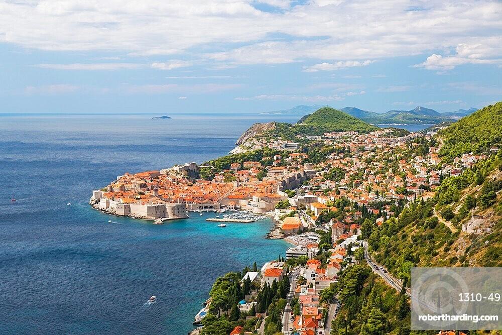 View over the Old Town (Stari Grad), UNESCO World Heritage Site, from hillside above the Adriatic Sea, Dubrovnik, Dubrovnik-Neretva, Dalmatia, Croatia, Europe