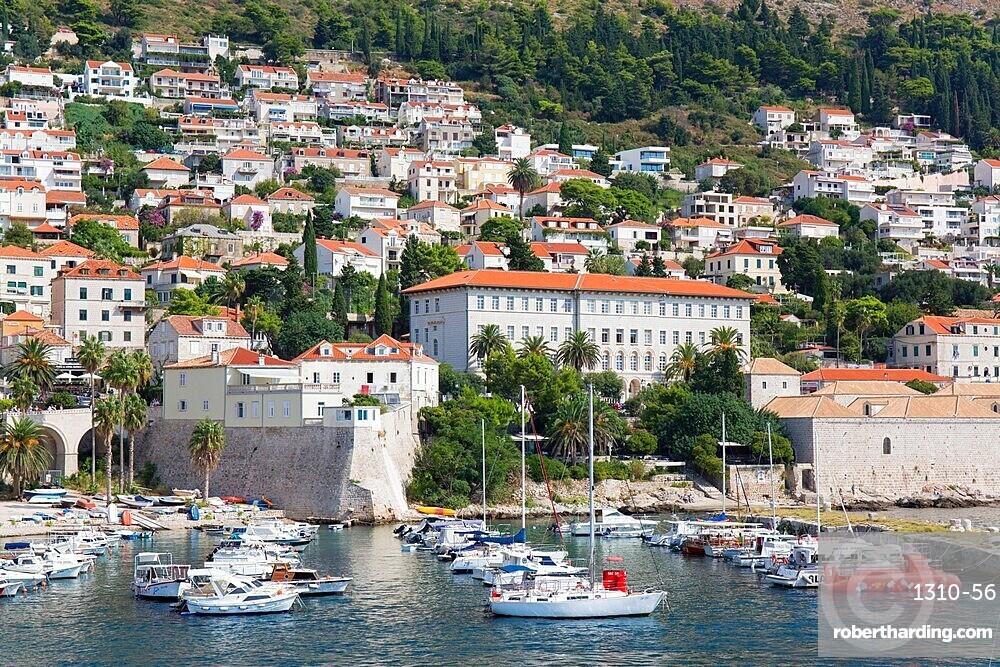 View over the Old Harbour, Stara Luka, houses clinging to steep hillside, Dubrovnik, Dubrovnik-Neretva, Dalmatia, Croatia, Europe