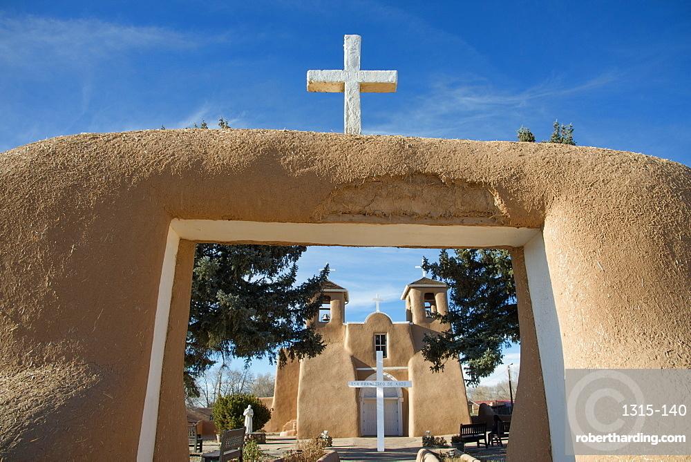 The historic adobe San Francisco de Asis church in Taos, New Mexico, United States of America, North America