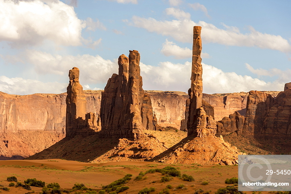 Totem Pole sandstone towers, Monument Valley Navajo Tribal Park, Arizona