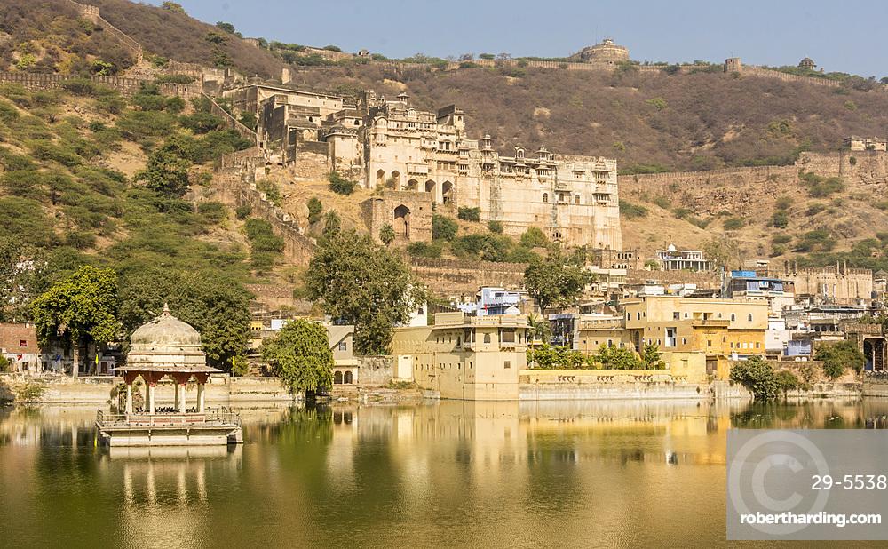 Garh Palace, high above lake of Nawal Sagar, Bundi, Rajasthan, India, Asia