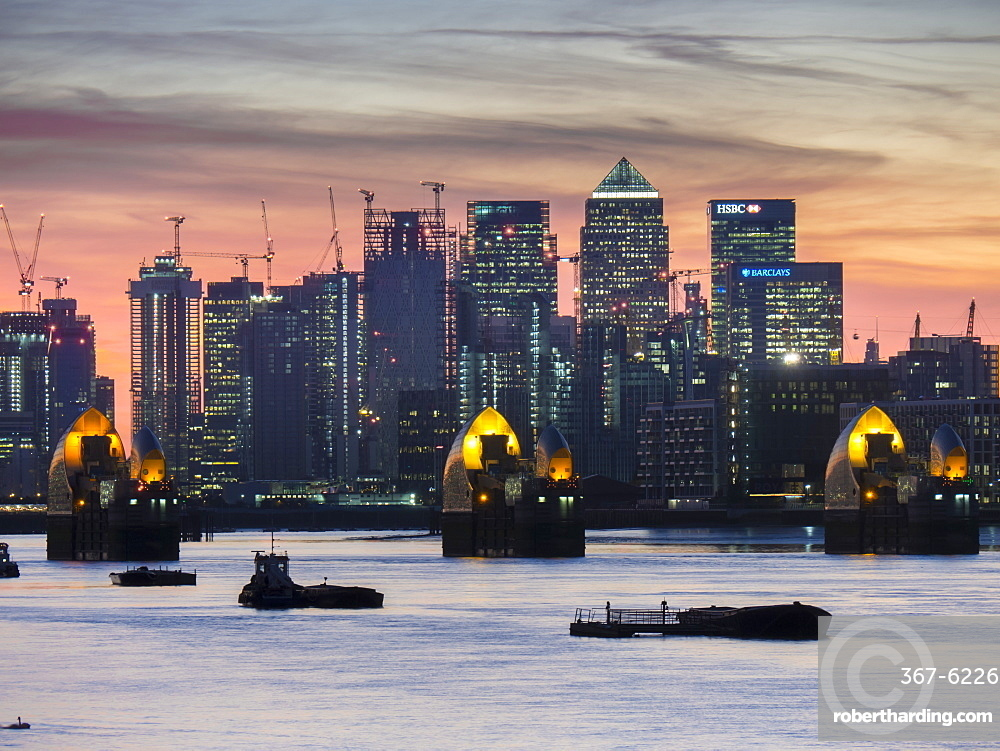 Canary Wharf from at Woolwich dusk
