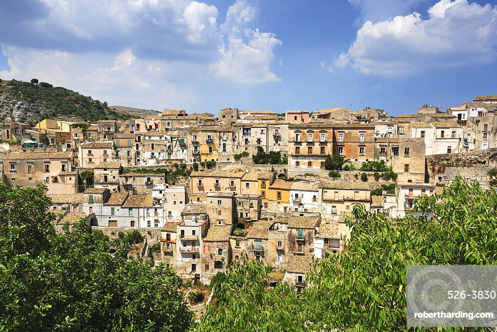 View of Old Town, Ragusa, Val di Noto, UNESCO World Heritage Site, Sicily, Italy, Europe