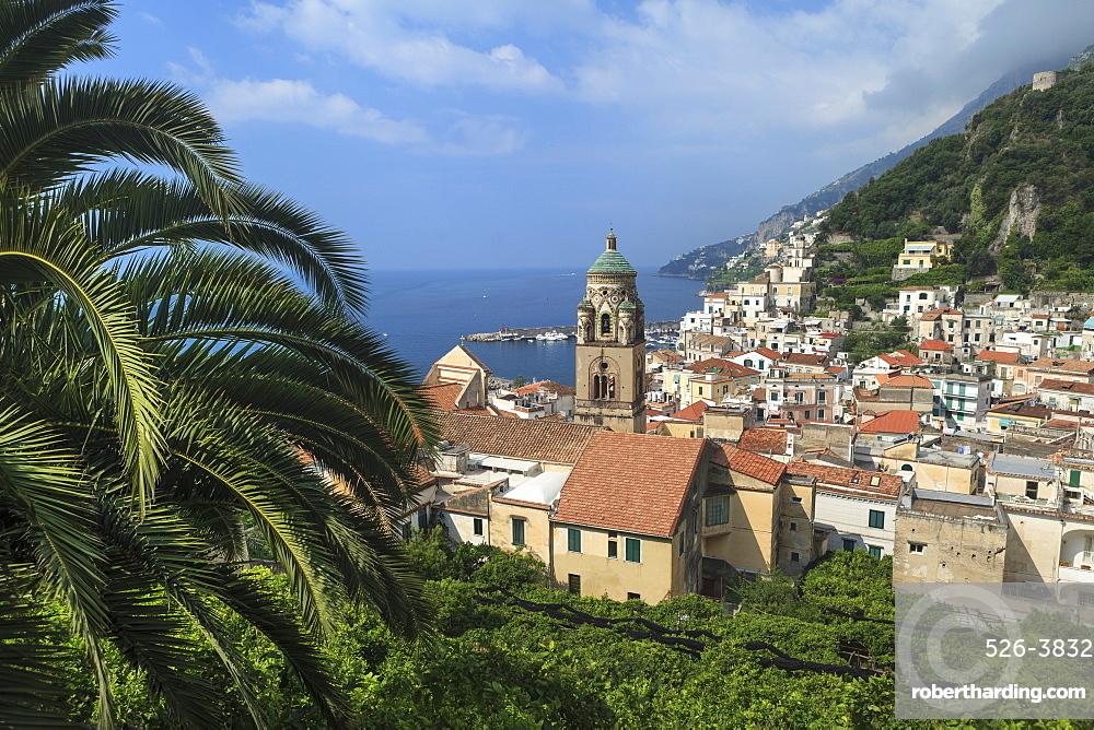View of town and coast, Amalfi, Amalfi Coast (Costiera Amalfitana), UNESCO World Heritage Site, Campania, Italy, Mediterranean, Europe