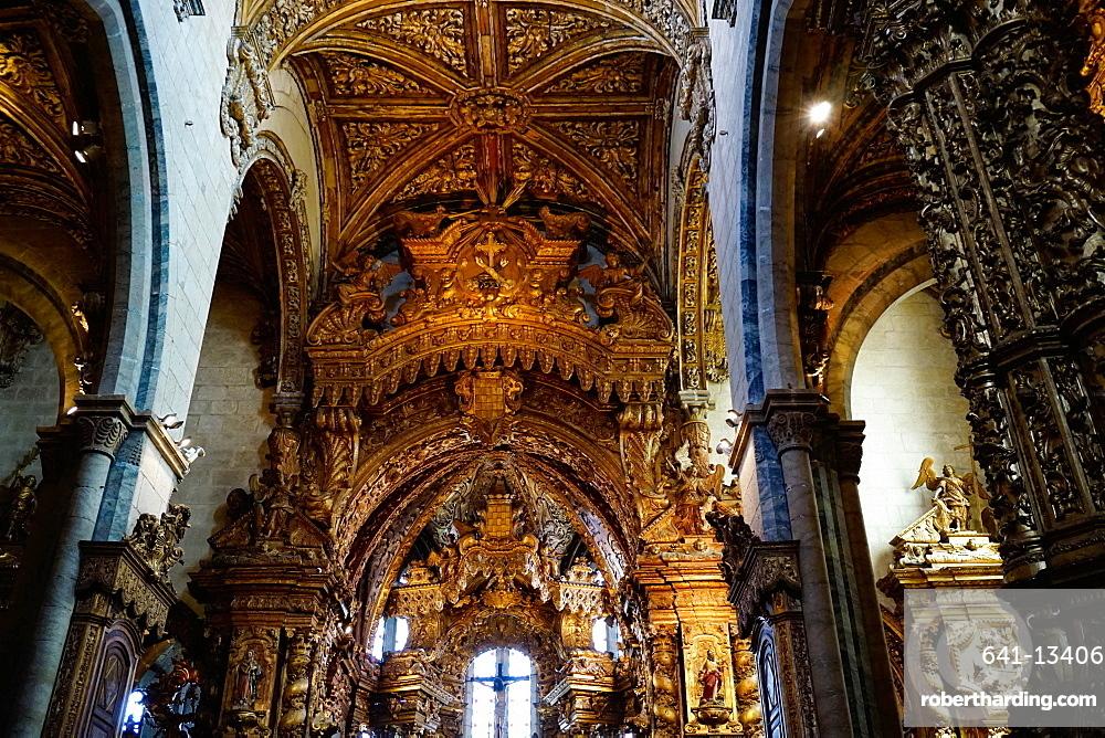 Sao Francisco Church, 600 years old, in the Ribiera district, UNESCO World Heritage Site, Porto (Oporto), Portugal, Europe