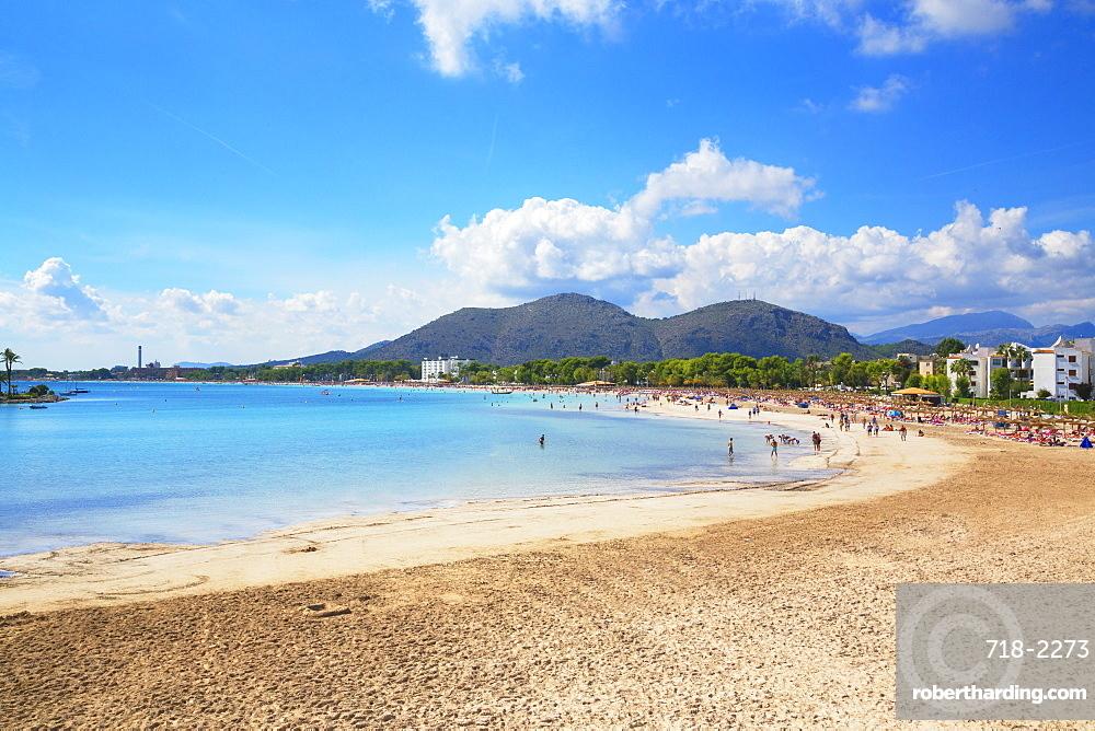 Beach of Port de Alcudia, Mallorca (Majorca), Balearic Islands, Spain, Mediterranean, Europe