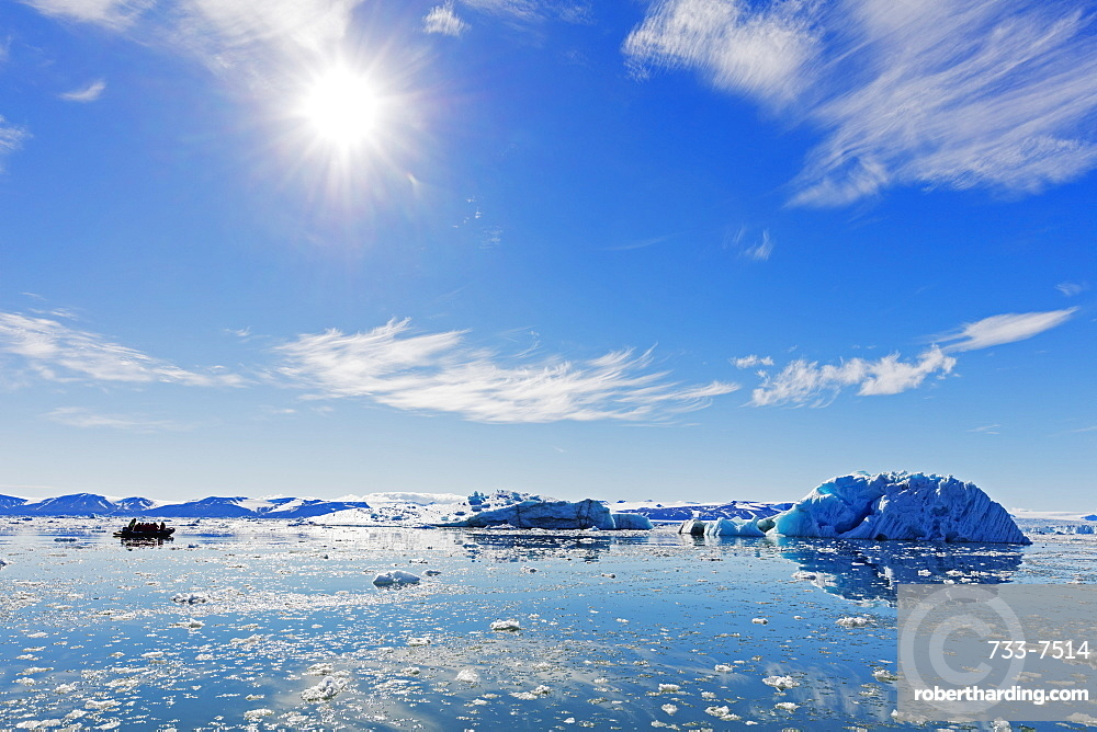 Iceberg filled glacial lagoon, Spitsbergen, Svalbard, Arctic, Norway, Europe