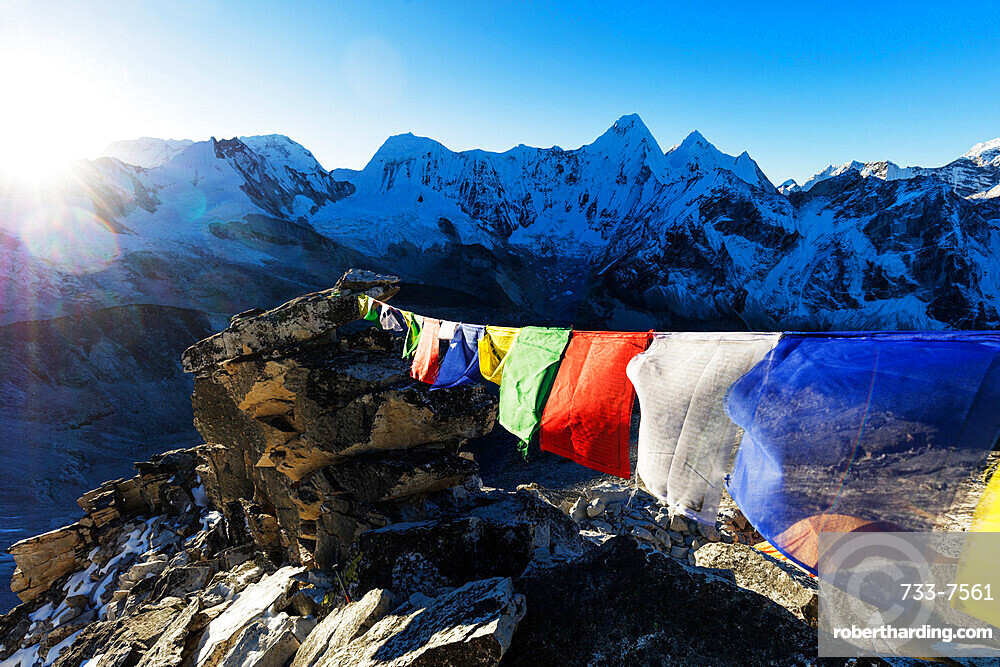 Prayer flags on Ama Dablam, Sagarmatha National Park, UNESCO World Heritage Site, Khumbu Valley, Nepal, Himalayas, Asia
