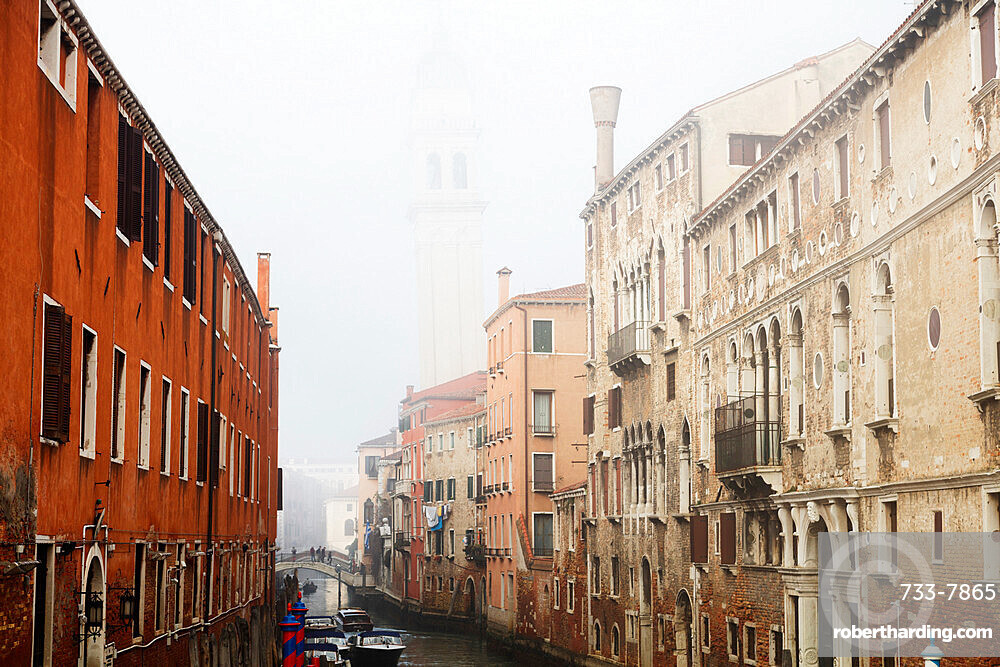 Misty view, Venice, UNESCO World Heritage Site, Veneto, Italy, Europe