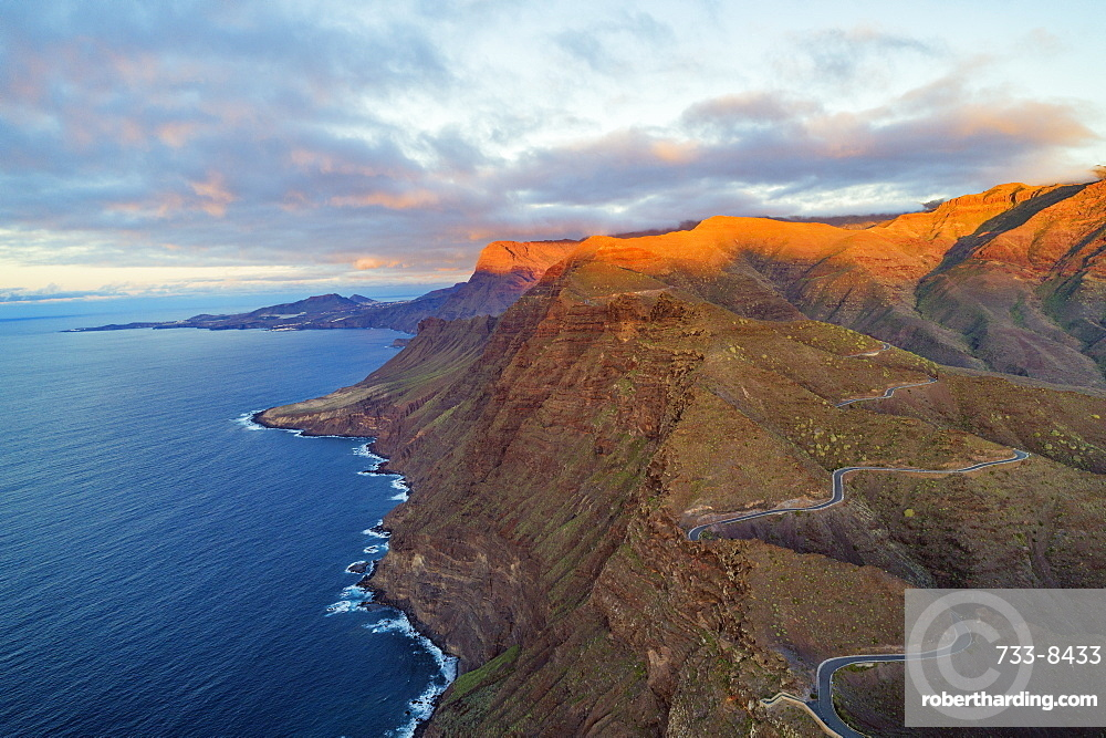 Europe, Spain, Canary Islands, Gran Canaria, west coast scenery at sunset