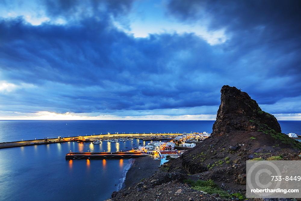 Europe, Spain, Canary Islands, Gran Canaria, Agaete, coastline and harbour