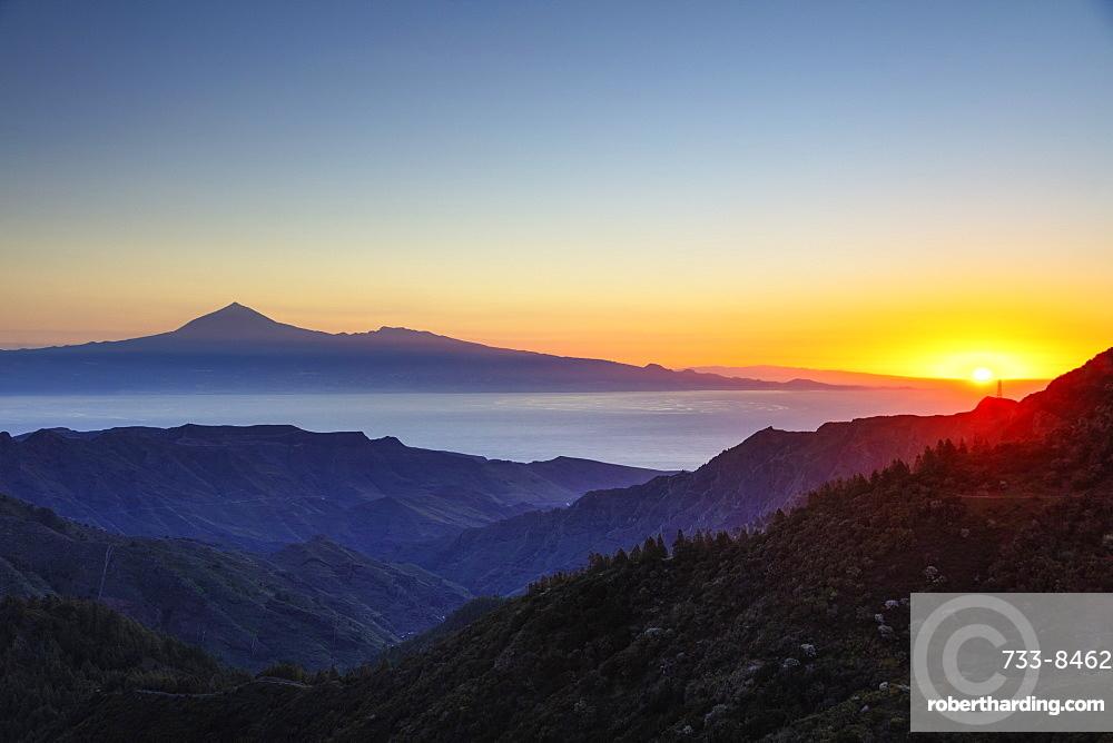 Europe, Spain, Canary Islands, La Gomera, Unesco Biosphere site, Garajonay National Park and Tenerife in the distance