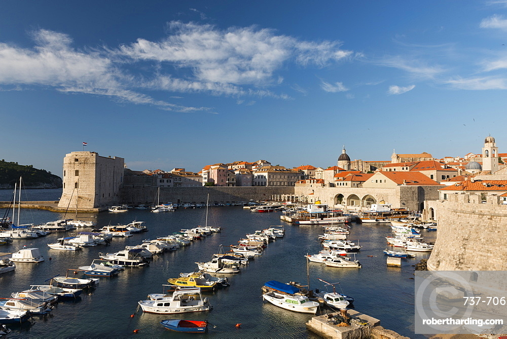 Dubrovnik's small boat harbor, Old Town, UNESCO World Heritage Site, Dubrovnik, Croatia, Europe