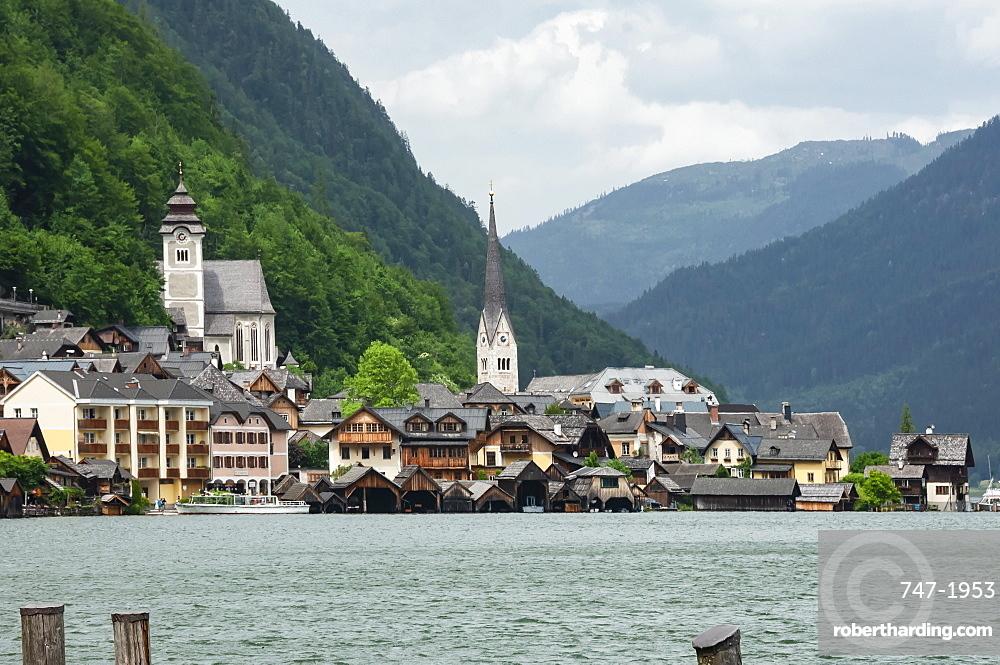 16th century Hallstatt, UNESCO World Heritage Site, on shore of Lake Hallstattersee, in Salzkammergut region of Austria, Europe