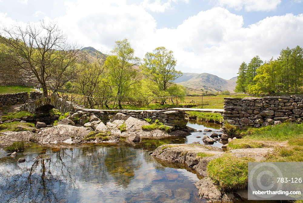 Slater's Bridge, a 17th century packhorse bridge, Little Langdale, Lake District, UNESCO World Heritage Site, Cumbria, England, United Kingdom, Europe