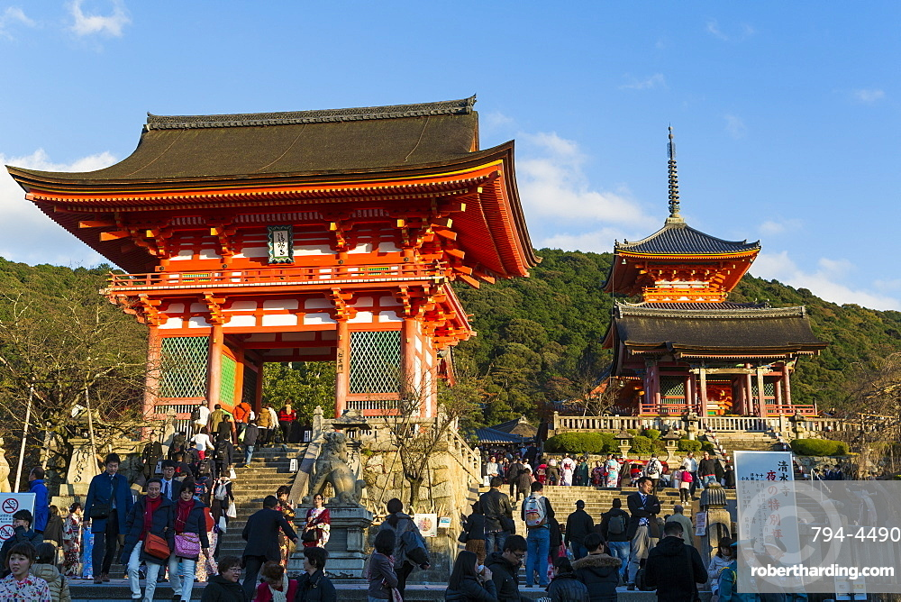 Kiyomizu-dera temple, UNESCO World Heritage Site, Kyoto, Honshu, Japan, Asia