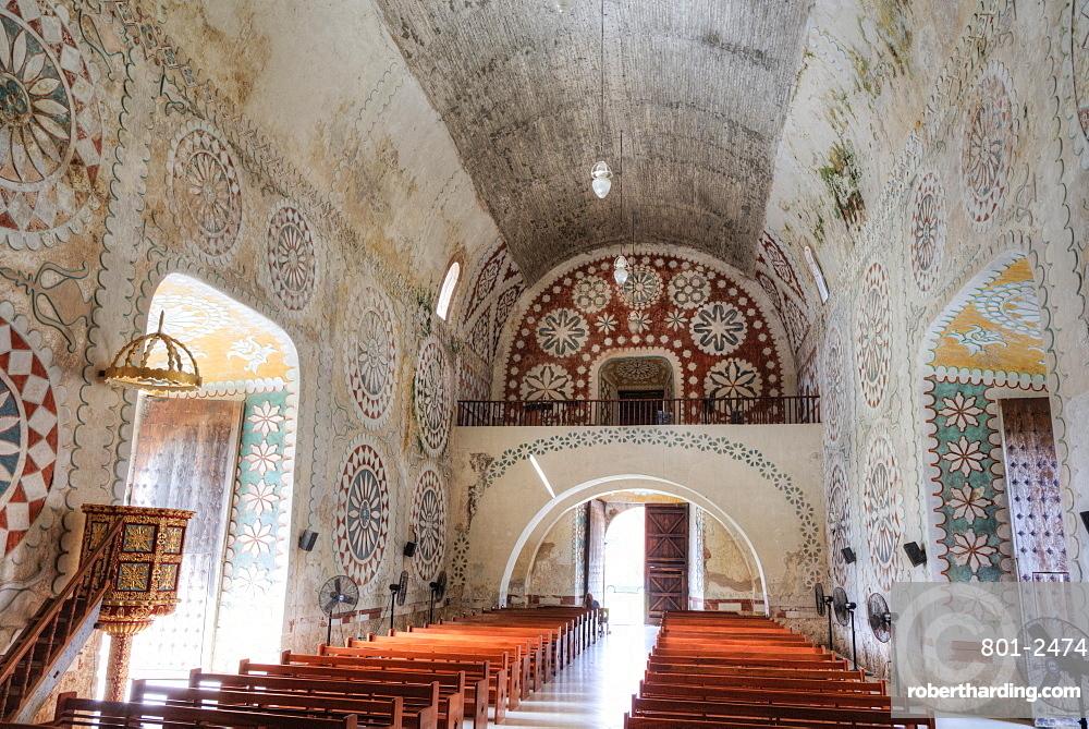 Interior, Ex-Convent of Santo Domingo, founded in 1646, Uayma, Yucatan, Mexico, North America