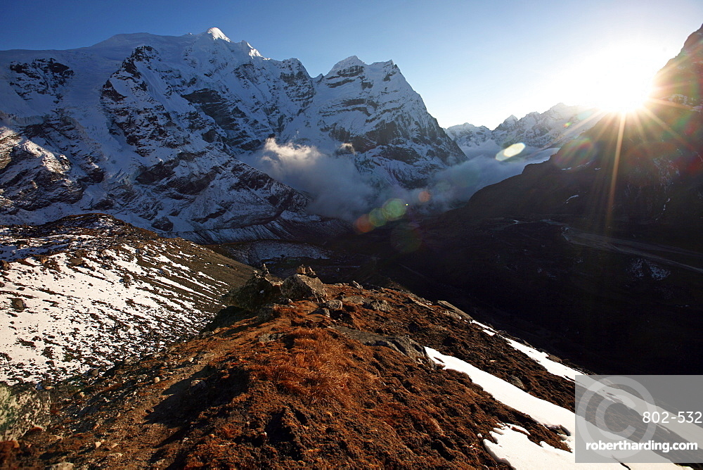 Mountain landscape at 5000 metres, high Khumbu, Himalayas, Nepal, Asia