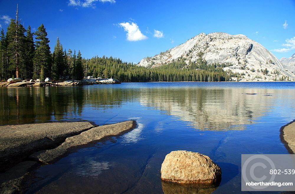 Tenaya Lake, Tuolumne Meadows, California, United States of America, North America
