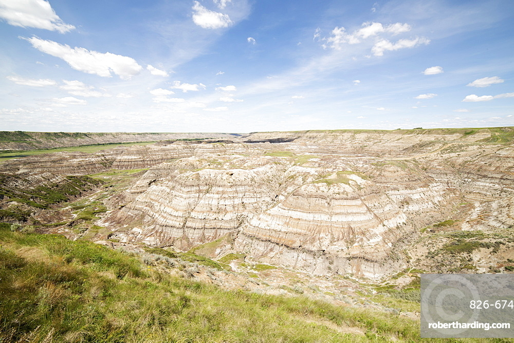 Horsethief Canyon in the Badlands of Alberta, near Drumheller, Alberta, Canada, North America