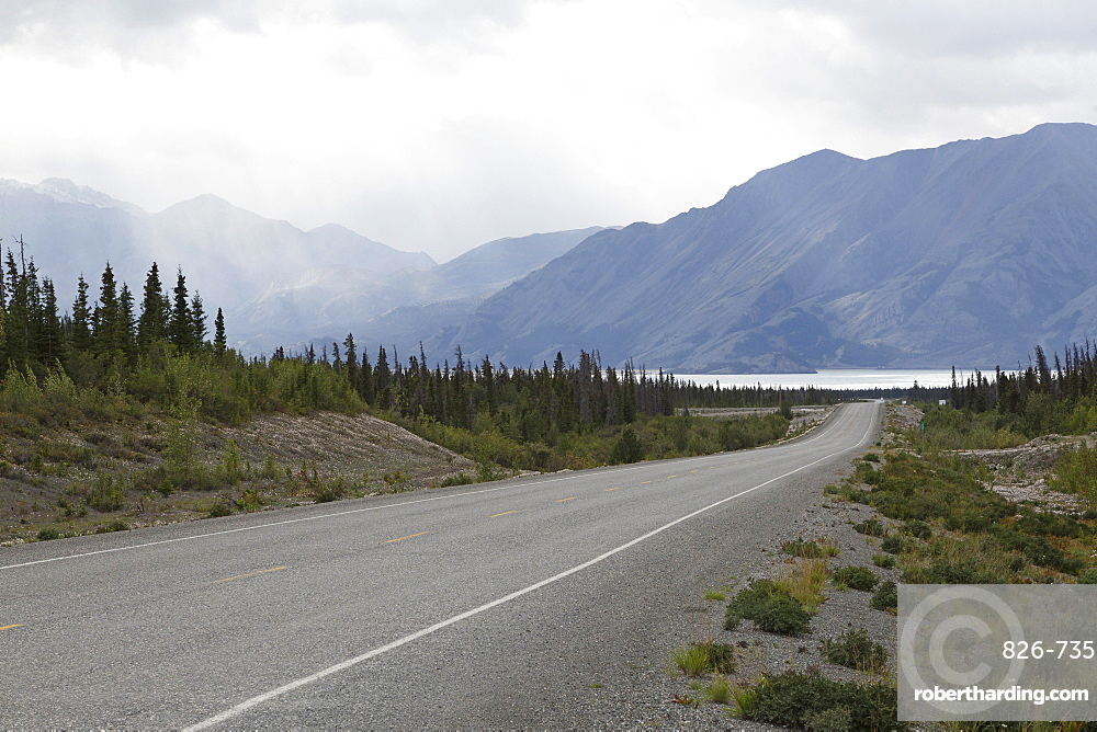 Highway with a view of the Saint Elias Mountain Range in Kluane National Park and Reservce, Yukon Territory, Canada