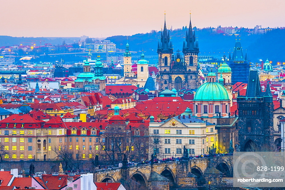 Stare Mesto, including Charles Bridge (Karluv Most) and Church of Our Lady Before Tyn, Stare Mesto (Old Town), UNESCO World Heritage Site, Prague, Czech Republic, Europe