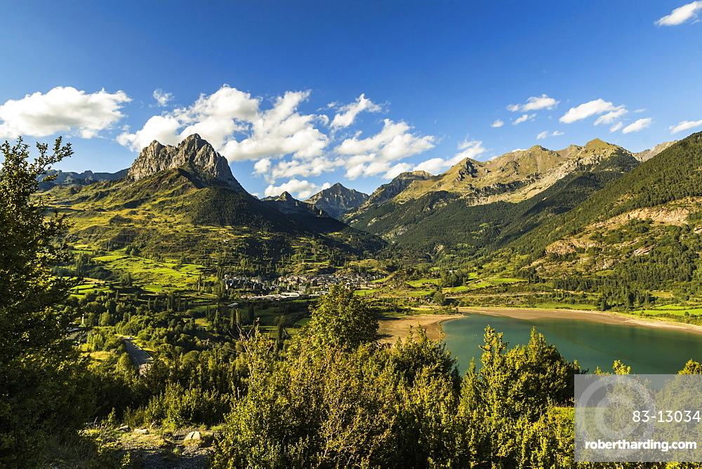 Pena Foratata peak, Lanuza lake and this scenic Tena Valley mountain town. Sallent de Gallego; Pyrenees; Huesca Province; Spain