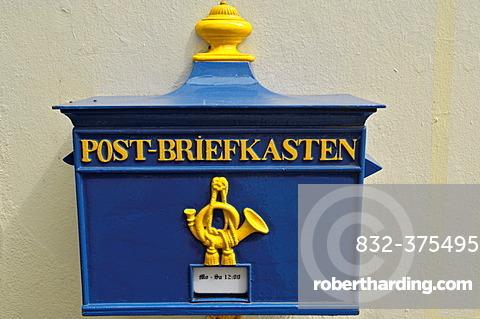 Old letter box, Schnoor Viertel, old part of town, Bremen, Germany