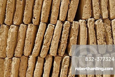 Mud brick production at Al Hajjaryn, Wadi Doan, Yemen