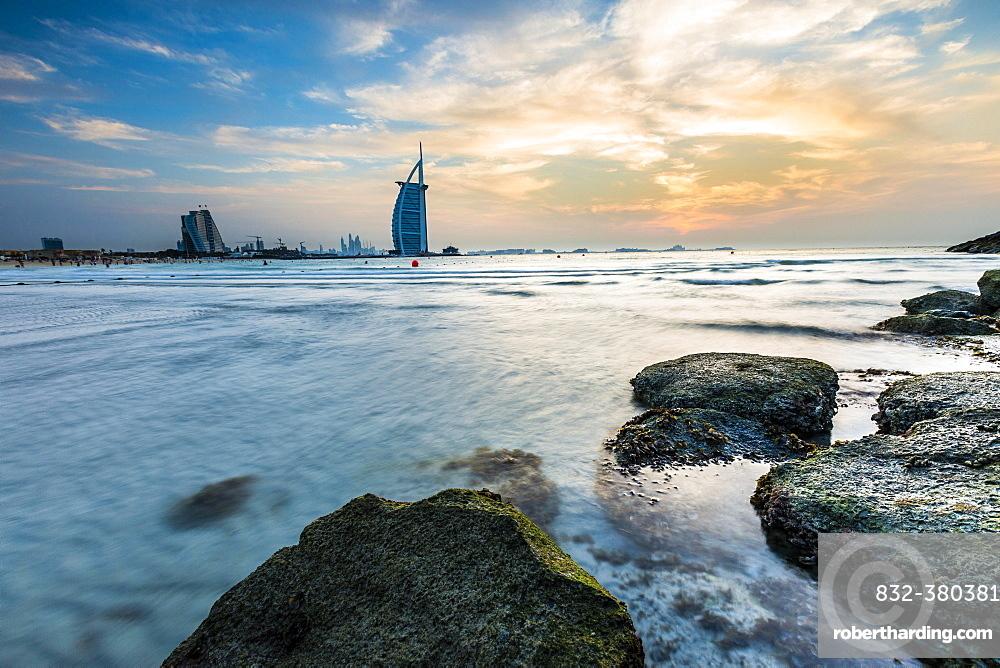 Luxury hotel Burj al Arab and Jumeirah Beach, Burj al 'Arab, Tower of the Arabs, Dubai, Emirate of Dubai, United Arab Emirates, Asia