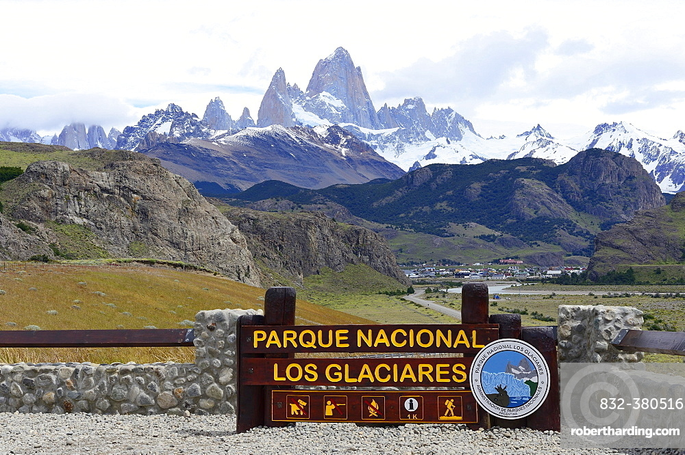 National Park Shield, at the back Mount Cerro Fitz Roy, Los Glaciares National Park, El Chaltén, Santa Cruz Province, Patagonia, Argentina, South America