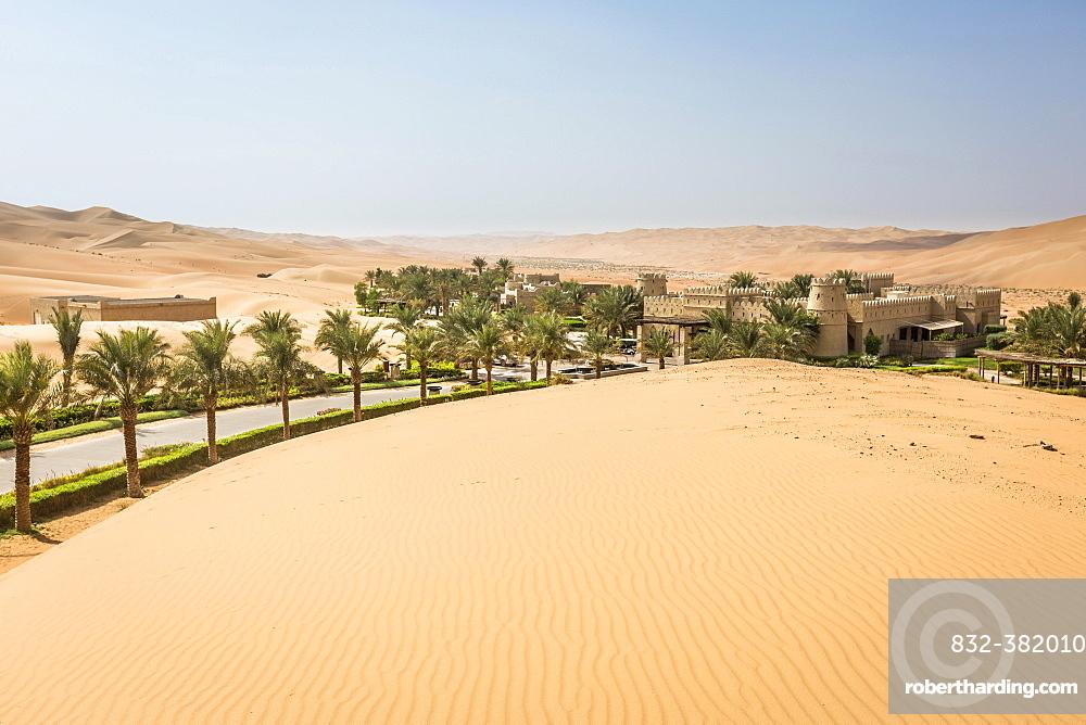 Qasr Al Sarab Desert Resort by Anantara, surrounded by high sand dunes, Liwa Oasis, Al Gharbia, Rub' al Khali or Empty Quarter, United Arab Emirates, Asia